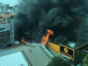 Cháy lớn ở trung tâm TPHCM