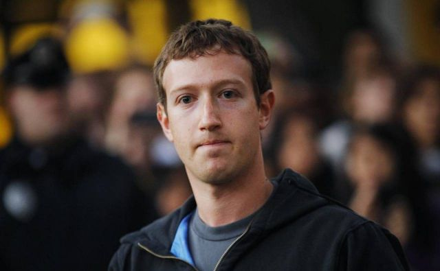 Ông chủ Facebook đang lo sợ nhất điều gì? - 1