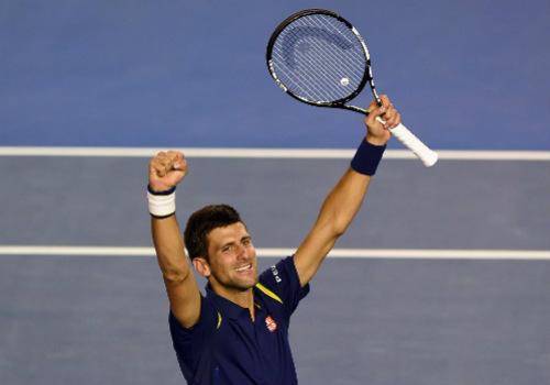 Khoảnh khắc Djokovic hôn sân, Murray khóc òa - 2