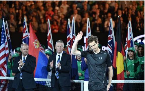 Khoảnh khắc Djokovic hôn sân, Murray khóc òa - 4