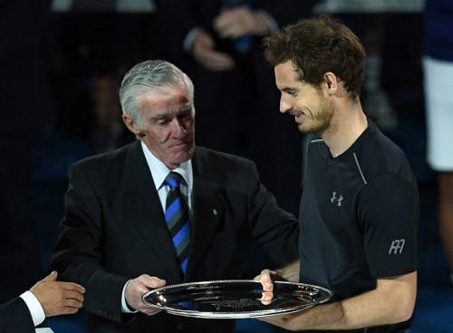 Khoảnh khắc Djokovic hôn sân, Murray khóc òa - 5
