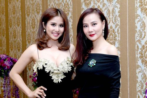 Thảo Trang khoe bồng đào sexy sau 1 tháng 'nâng cấp' - 4