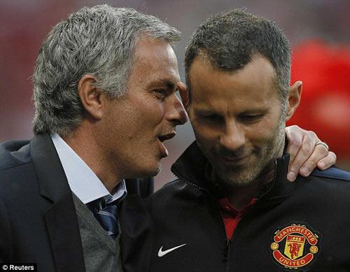 MU nên thuê Mourinho thay Van Gaal, Giggs quá nhút nhát - 1