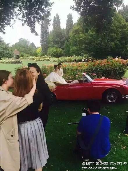 Lộ ảnh cưới lãng mạn của cặp sao 'Bộ bộ kinh tâm' - 3