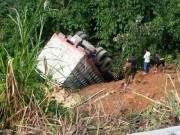 Tin tức Việt Nam - Hà Giang: Xe tải lao xuống vực sâu, 4 người chết tại chỗ