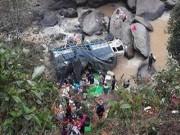 Video An ninh - Hà Giang: Ô tô lao xuống vực sâu, 7 người thương vong