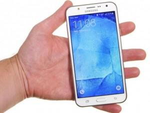 Samsung Galaxy J7 2016 sắp ra mắt