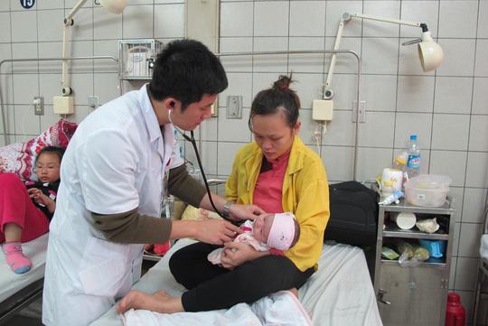 Trẻ ồ ạt nhập viện vì cúm A - 1