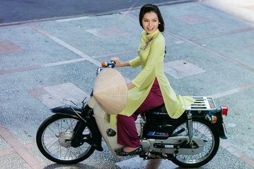 Phương Trinh Jolie lạ lẫm với hình ảnh quý cô Sài Gòn xưa - 10