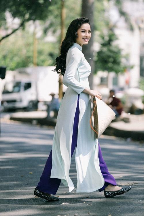 Phương Trinh Jolie lạ lẫm với hình ảnh quý cô Sài Gòn xưa - 12