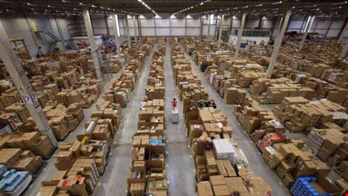 """Amazon vào """"câu lạc bộ"""" nhà bán lẻ có doanh thu khủng - 1"""