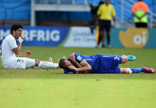 Tin HOT tối 2/2: Suarez trở lại ở trận gặp Brazil - 1