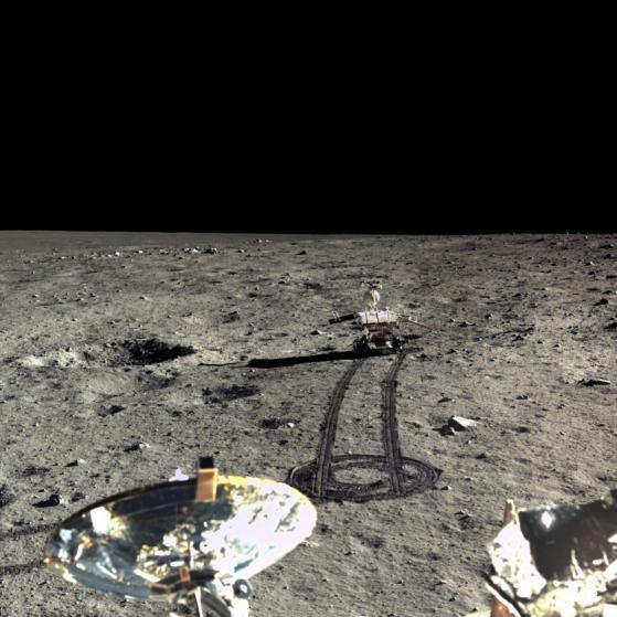 Ảnh cận cảnh Mặt Trăng nét chưa từng thấy - 1