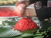 Thị trường - Tiêu dùng - Về làng mỗi người gói hàng nghìn bánh chưng mùa Tết