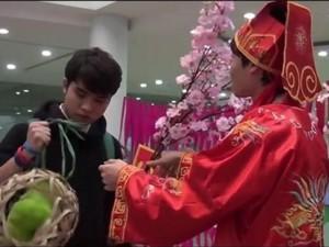Bạn trẻ - Cuộc sống - Sinh viên làm clip hài nhắc game thủ về quê ăn Tết
