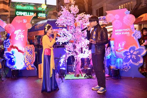 Giới trẻ Hà thành phấn khích với đêm nhạc truyền thống kết hợp hiện đại - 5