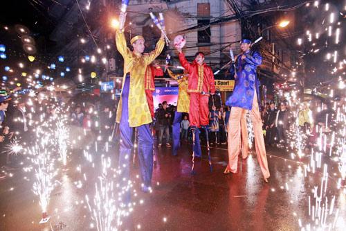 Giới trẻ Hà thành phấn khích với đêm nhạc truyền thống kết hợp hiện đại - 3