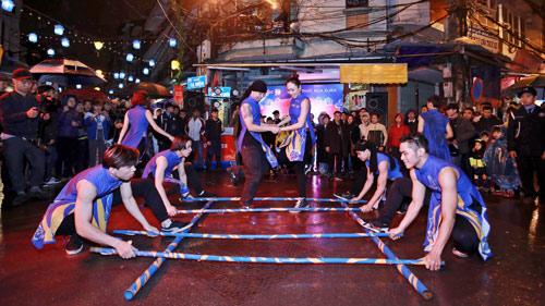 Giới trẻ Hà thành phấn khích với đêm nhạc truyền thống kết hợp hiện đại - 1