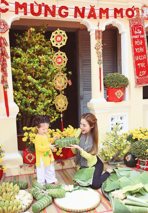 Elly Trần lần đầu chụp ảnh đón Tết cùng con gái - 5