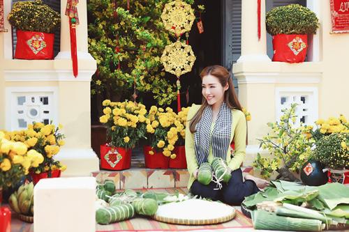 Elly Trần lần đầu chụp ảnh đón Tết cùng con gái - 8