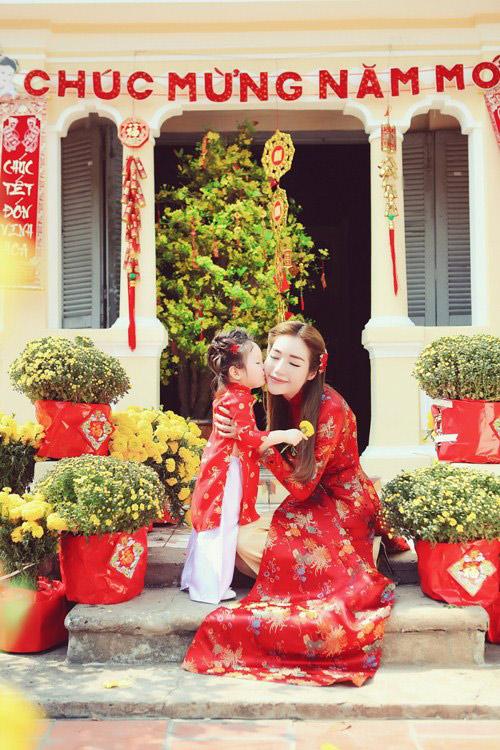 Elly Trần lần đầu chụp ảnh đón Tết cùng con gái - 9