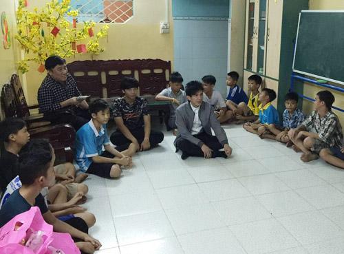 Đan Trường gây náo loạn ngõ phố Sài Gòn - 8