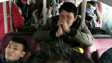 """Khi hành khách bị bắt làm """"con tin"""" - 1"""