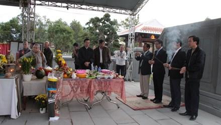 Rưng rưng tại khu tưởng niệm ông Nguyễn Bá Thanh ngày giỗ đầu - 1