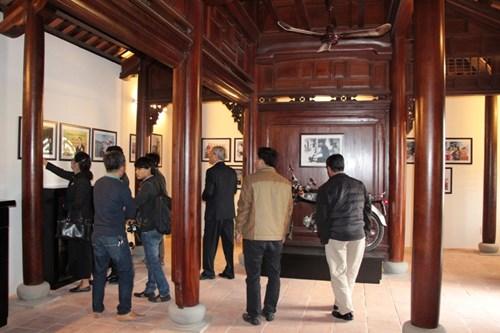 Rưng rưng tại khu tưởng niệm ông Nguyễn Bá Thanh ngày giỗ đầu - 7