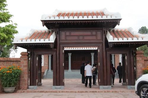 Rưng rưng tại khu tưởng niệm ông Nguyễn Bá Thanh ngày giỗ đầu - 8