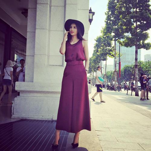 Facebook sao 3/2: Cao Thái Sơn khoe ngực trần khi vào bếp - 2