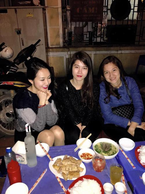 Facebook sao 3/2: Cao Thái Sơn khoe ngực trần khi vào bếp - 5