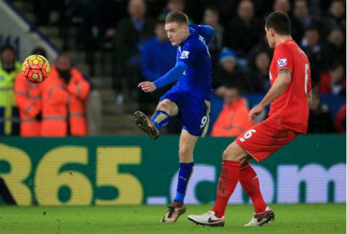 Leicester ngạo nghễ mơ vô địch Premier League - 1