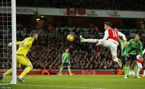 """Arsenal: Nguy cơ """"buông súng"""" vì... pháo xịt - 1"""