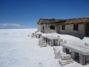 Du lịch - Choáng với khách sạn tuyệt đẹp làm từ 10.500 tấn muối