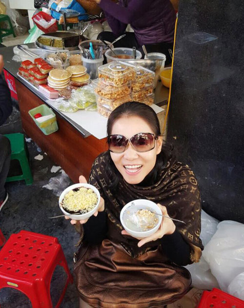 Facebook sao 4/2: Angela Phương Trinh khoe quà hàng hiệu - 3