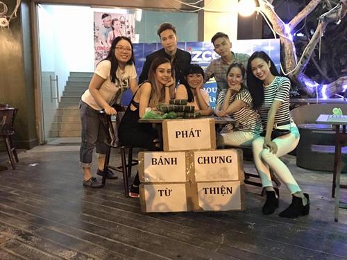 Facebook sao 4/2: Angela Phương Trinh khoe quà hàng hiệu - 7