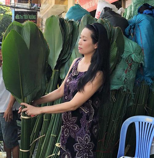 Facebook sao 4/2: Angela Phương Trinh khoe quà hàng hiệu - 9