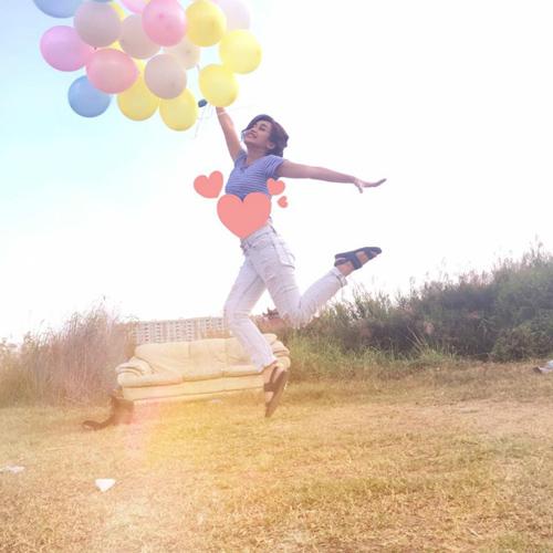 Facebook sao 4/2: Angela Phương Trinh khoe quà hàng hiệu - 10