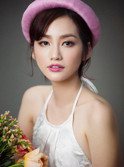 Facebook sao 4/2: Angela Phương Trinh khoe quà hàng hiệu - 12