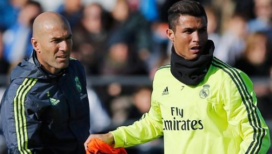Phối hợp trong mơ: Zidane kiến tạo Ronaldo ghi bàn