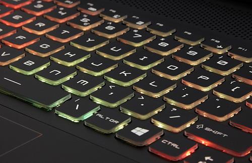 Đánh giá laptop 'chiến đấu' MSI GT72 Dominator Pro Dragon Edition - 5