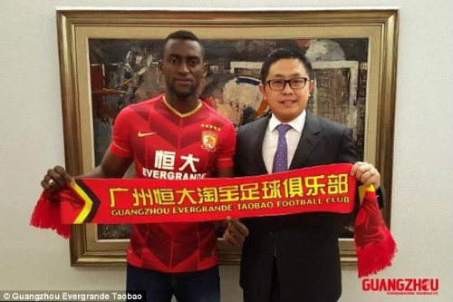 35 triệu bảng, SAO Brazil bỏ Liverpool đến Trung Quốc - 1
