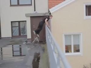"""Video clip: Không đỡ được """"thánh ghép nhạc"""""""