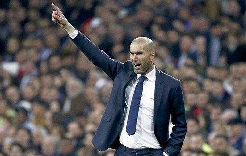 """Real Madrid: Zidane miệt mài làm """"cách mạng"""" - 1"""