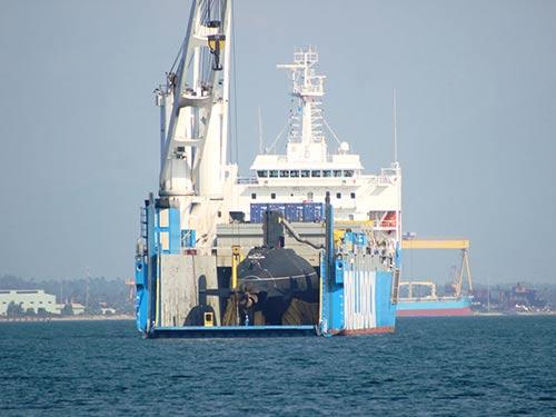 Tàu ngầm Đà Nẵng vào Quân cảng Cam Ranh - 1