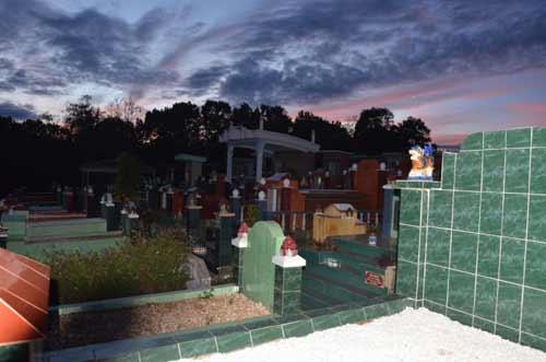 Gia Lai: Tái diễn tình trạng phá mồ mả ở Pleiku - 1