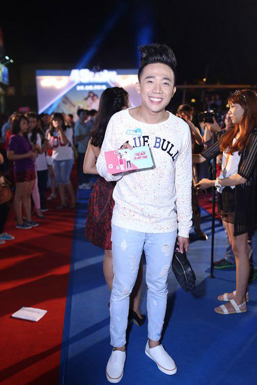 Gu thời trang trẻ trung và lịch lãm của MC Trấn Thành - 11