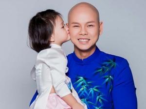 Con gái thiên thần ngọt ngào hôn bố Phan Đinh Tùng
