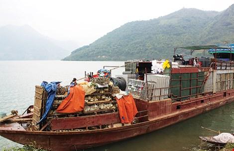 Chợ phiên độc đáo dọc sông Ðà - 1